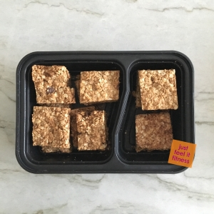 Toffee cinnamon oat bars